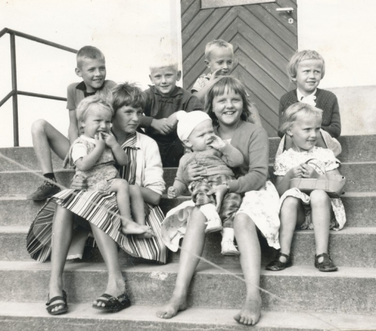 Sören Larsson, Elvy Larsson, Anna-Greta med Håkan Jakobsson, Sola Larsson