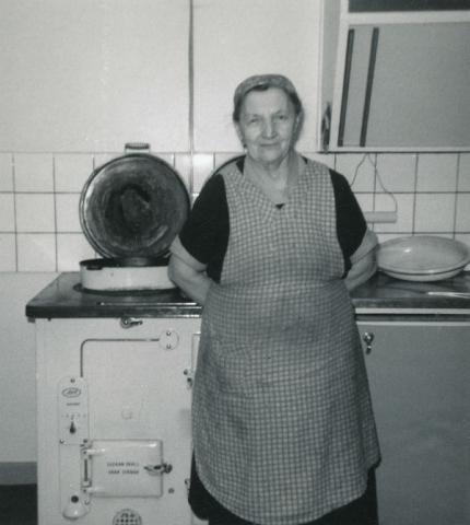Anna Larsson Smiss 610, född Jakobsson år 1894 vid Heffride i Burs. Gift med Jakob Larsson, född 1890.