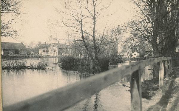 Bild av hur Närsåns översvämning som drabbat Hallute 146.