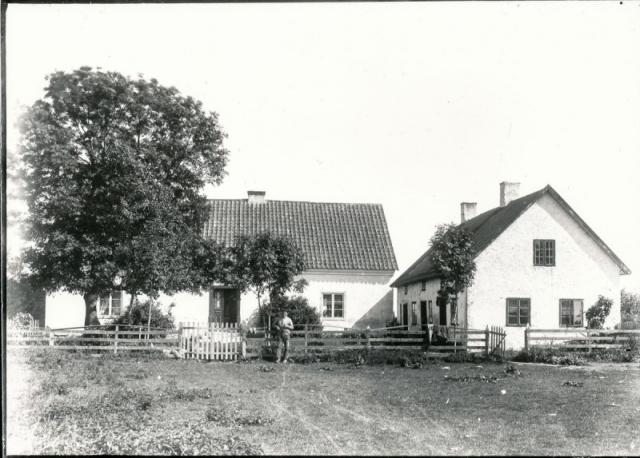 Mickelgårds 395 där Britta Thomsson växte upp, och där Jörgen Thomsson och Marie Håkansson bor idag.