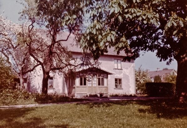 Boningshuset vid Hallute 124 under Axel Häglunds tid. Huset revs senare.