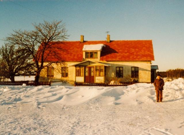 Vid Mickels 607 bodde Annie och Olle. Där bodde okså drängen Herbert.
