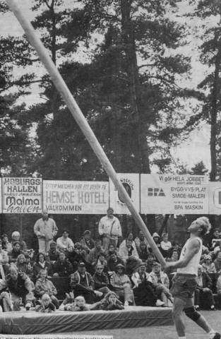 Stångaspelen 1993: Håkan Nilsson vinner överlägset finalen i stångstörtning med 9,12 m. Tvåan nådde bara 8.27m