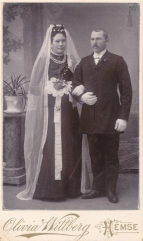 Bröllop 1902 mellan Karl Jakobsson Kulle 862, född 1878, och Augusta Pettersson Frigges 342, född 1880