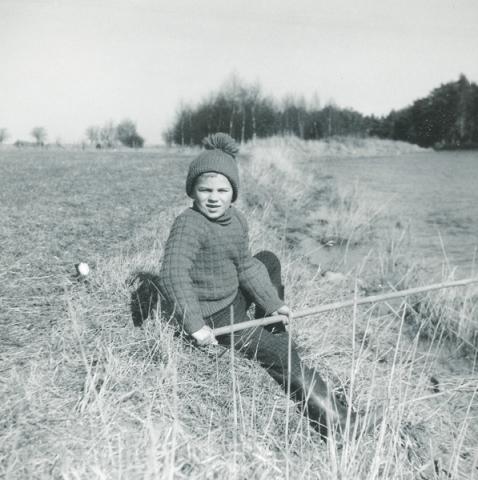 Lars-Inge Dahlqvist Maldes 328, född 1960, prövar fiskelyckan i Närsån.