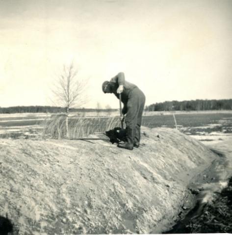 """Ragnar Johansson Mickels 331, född 1918, på """"pärstukan"""""""
