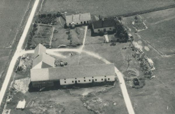 Flygfoto över Smiss 616 som när fotot är taget ägdes av Karl Larsson. I dag ägs huset av sondottern Petra Larsson.