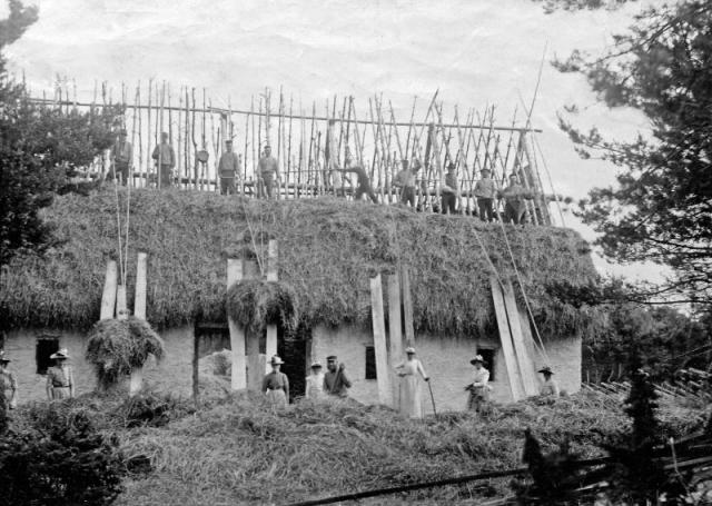 Bygget av ladugården vid Gangvide 513 omkring 1900. Fas 2