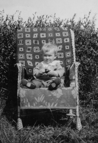 Stig Johansson vid Rikvide 625 GJ (1932) i unga år