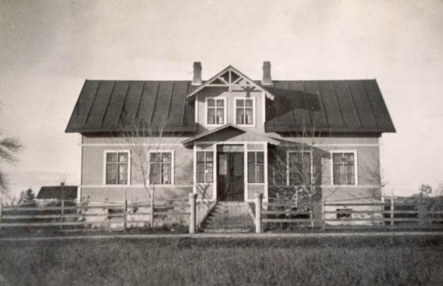 En äldre bild av bostadshuset vid Folke 868