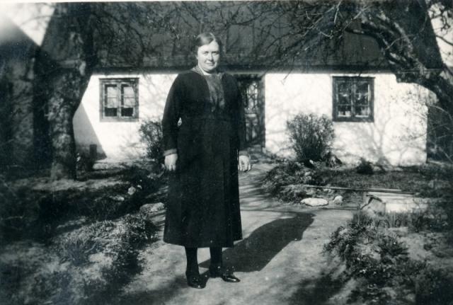 Hallbjänne 545 på Vadi. Ingeborg Johansson, född Olsson i Etelhem och gift med Anton Johansson.