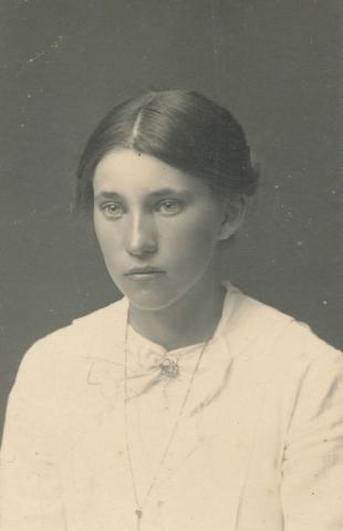 Fanny Jakobsson, född 1903 på Kulle 862, gift med Oskar Jakobsson på Siglajvs 848, som tog över gården efter fadern 1936